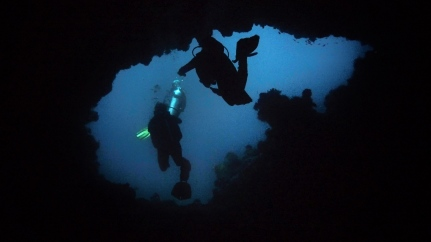A claustrophobe's dream - Tepykong, Bali, Indonesia