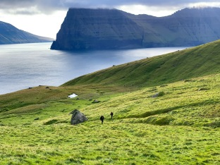 On the hike to the Kallur light house, Kalsoy Island.